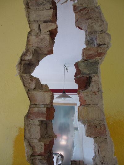 Loch in Mauer zu unseren Alten Küche. RM16 Dresden Pieschen